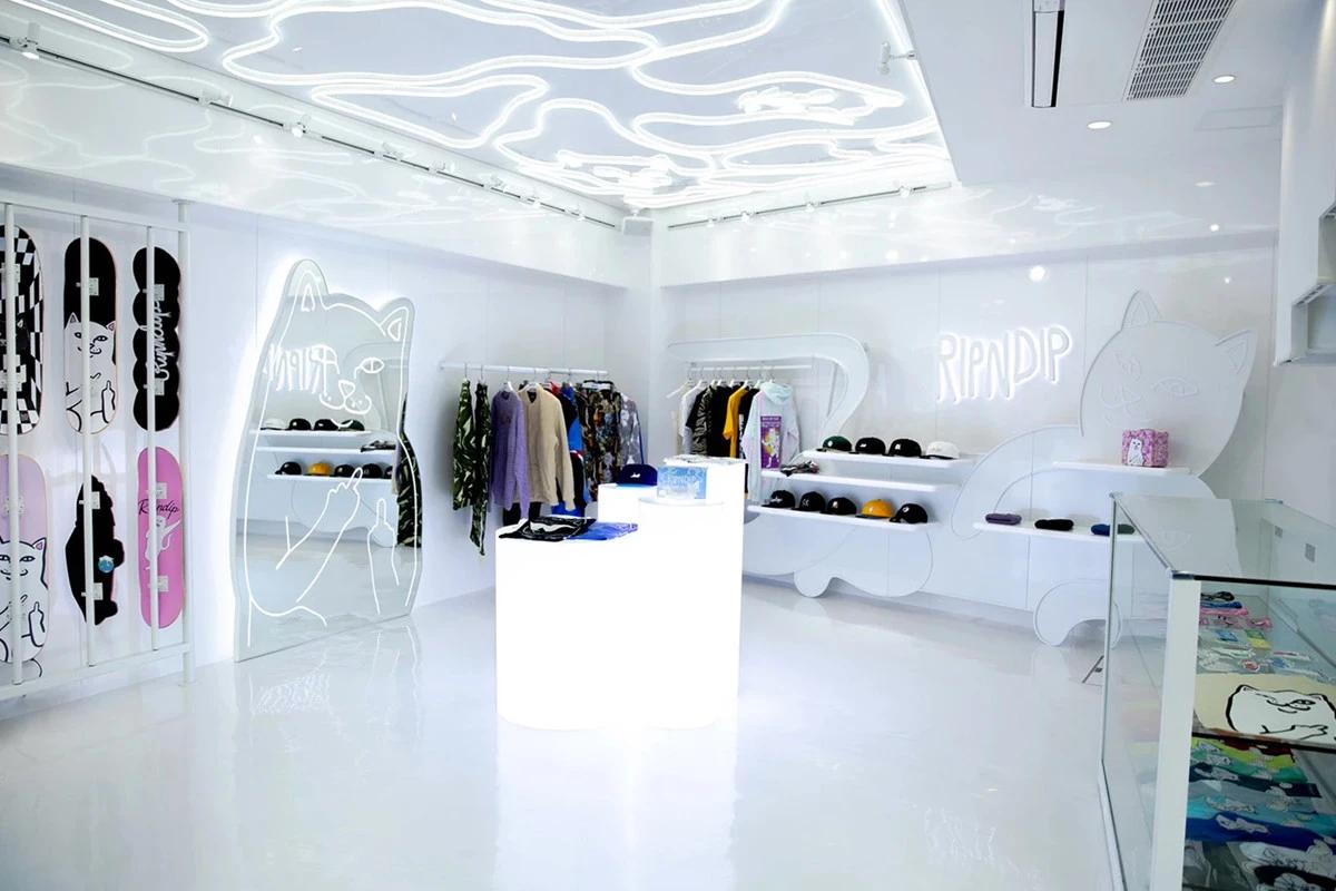 https-hypebeast-com-image-2019-02-ripndip-flagship-store-tokyo-opening-003